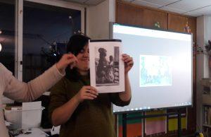 """Observação de uma gravura da artista Paula Rego sobre a rima de berço """"Baa baa black sheep""""."""