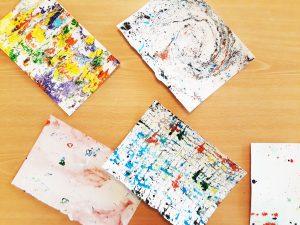 Exemplos de papel marmoreado