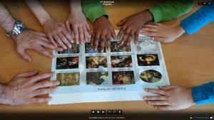 Mãos sobre imagens de personagens da mitologia clássica