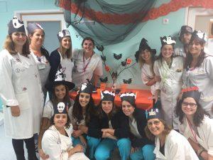 Professoras do IPO e outros profissionais com coroas de Halloween