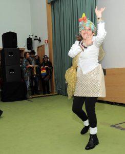 Professora a dançar