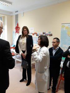 Primeira Dama da República da Bulgária com professora Dulce na escolinha