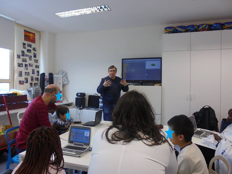 Alunos e professores programam em Scratch