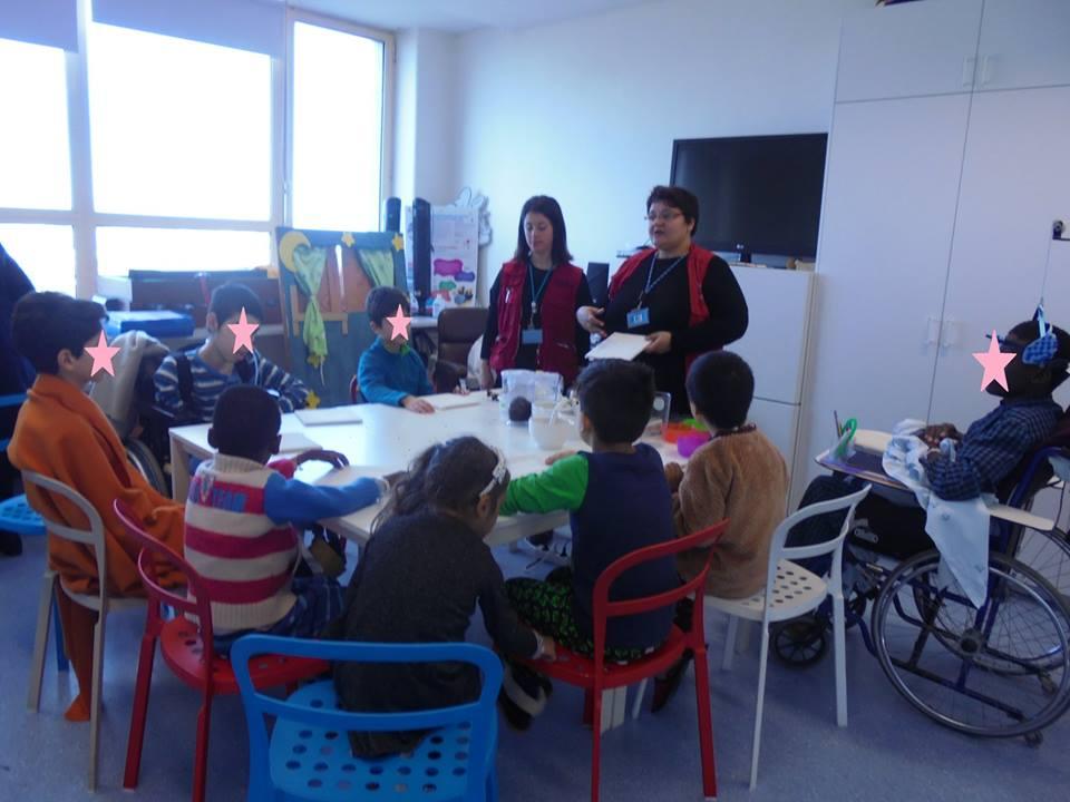 Animadoras do Pavilhão do Conhecimento com alunos do Hospital