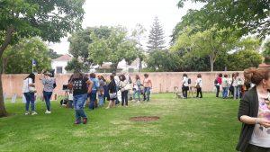 Pequenas demonstrações no jardim da Casa das Histórias a decorrerem para nos dar uma perspetiva do que seriam os Laboratórios de Experimentação.