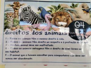 Cartaz com imagens de animais e os Direitos dos Animais
