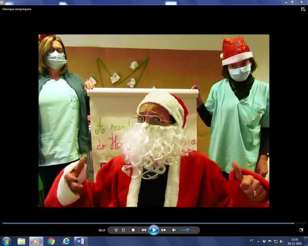 Imagem de vídeo das educadoras com Pai  (ou mãe) Natal