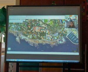 Uma vista aérea da zona onde se encontra o museu e o local, Boca do Inferno.