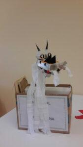 Dragão já construído numa caixa
