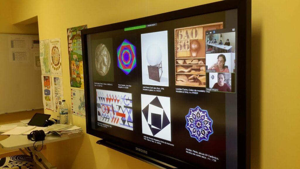 Ecrã com obras de arte motivos geométricos simétricos